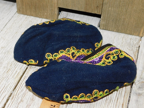 India Childs Slippers, Casket Slippers ?, Slip On… - image 4