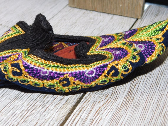 India Childs Slippers, Casket Slippers ?, Slip On… - image 5