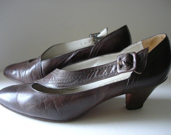 Brown Leather Shoes - 1980's Elegant Low Heeled Bally Shoes - UK Size 4
