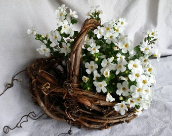 Flower Girl Basket Rustic Grapevine Basket Grapevine Wedding Table Decoration Bridal Gift Hand Made In Michigan by colonialcraft on Etsy