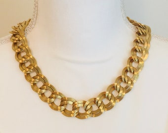 Vintage MONET Gold Tone Double Textured Curb Link Chain Choker