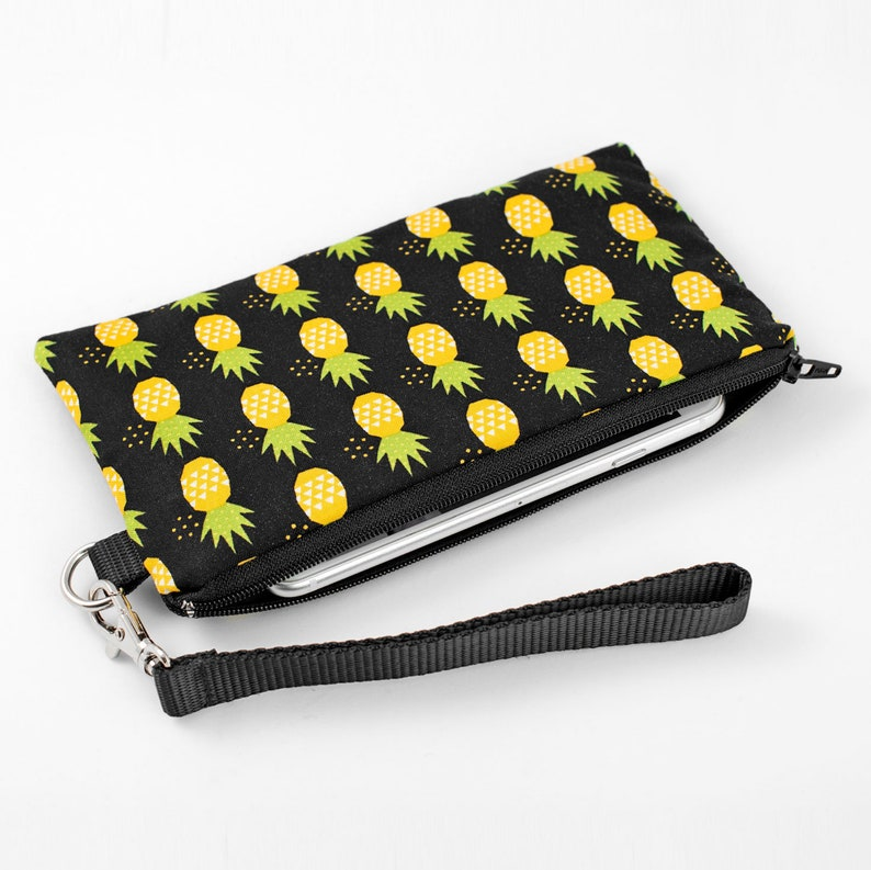Womens Zip Around Wallet and Phone Clutch,Black White Pineapple Print,Travel Purse Leather Clutch Bag Card Holder Organizer Wristlets Wallets