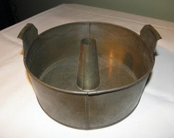 C. A. Chapman Van Duesen Tin Angel Food Cake Pan - 1910s - from DustyMillerAntiques