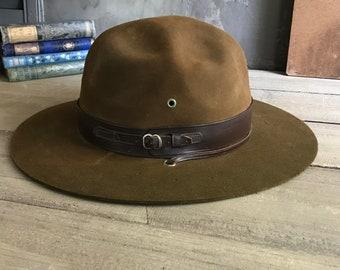 2155855e3aff7 1960s Mens Scout Master Hat