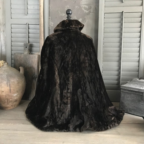 Brown Velvet Cape, Victorian Era, Period Clothing,