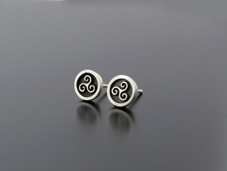 Irish symbols Earrings triskele silver earring posts 925 image 0