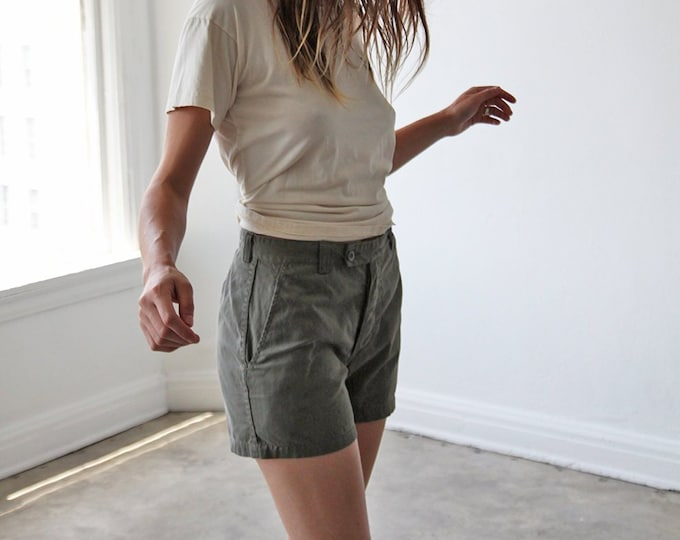 Button-up fatigue shorts - olive