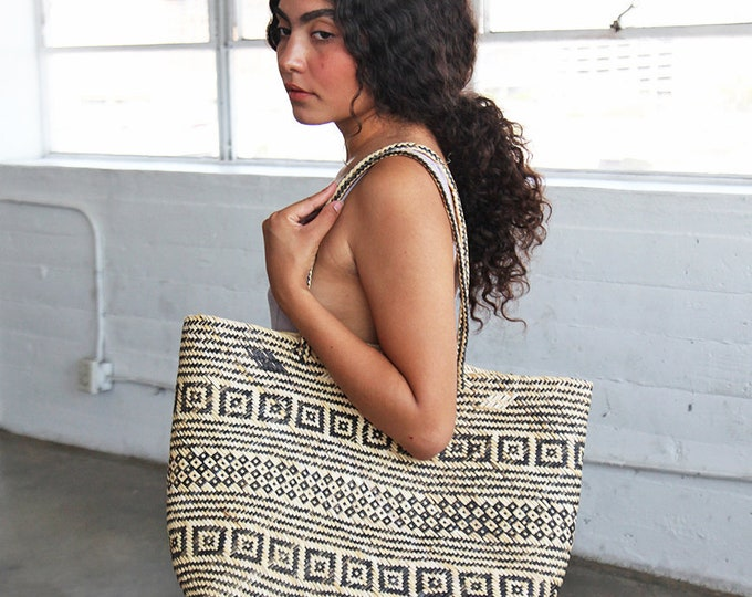 Large Seagrass Tote - patterned
