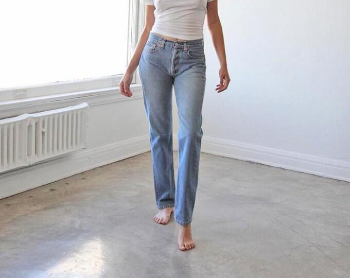 LEVI'S 501 Jeans - size 28