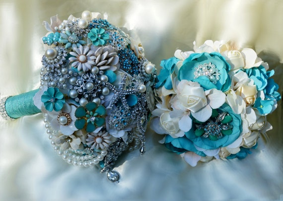 DEPOSIT on CUSTOM Brooch Bouquet Wedding 11 Piece PACKAGE Beach Wedding Aqua Ivory Pearls Blue White Starfish Bridesmaid Bouquet Boutonniere