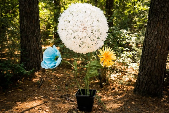 CONWAY AR ONLY Rent Price Giant Crepe Paper Flower Dandelion Poppy Self Standing Flower Floral Decor