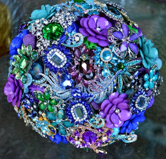 DEPOSIT ON Peacock Brooch Bouquet Custom Bridal Broach Bouqet Peacock Wedding Teal Green Purple Turquoise Gold Pearl Blue Peaock Feathers
