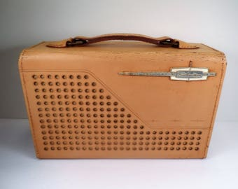 Sears Silvertone  DUR-PAC Model #9222 Transistor Radio in Tan Leather Portable Case Repair Parts Display