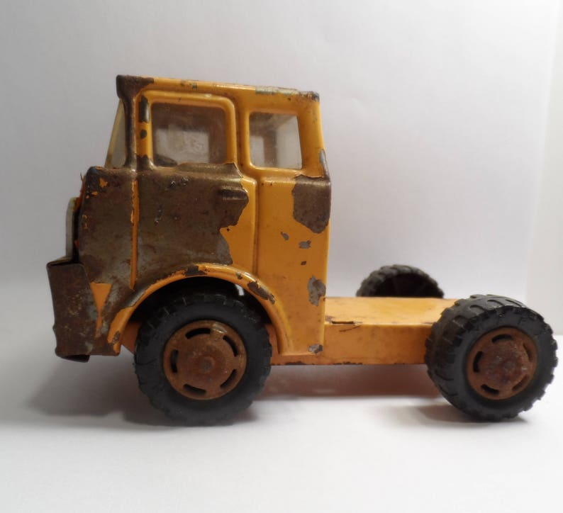 Vintage Marx Yellow Pressed Steel Toy Truck Frame No Bed Rusted  MCMLXXI Japan