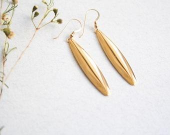 Long dangle leaf earrings, Gold leaf earrings, Long dangle earrings, Gold dangle earrings, Elegant long earrings,  Long leaf earrings