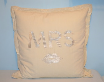 Mrs. with Lips Ivory Decorative Goose Down Square Bed Pillow