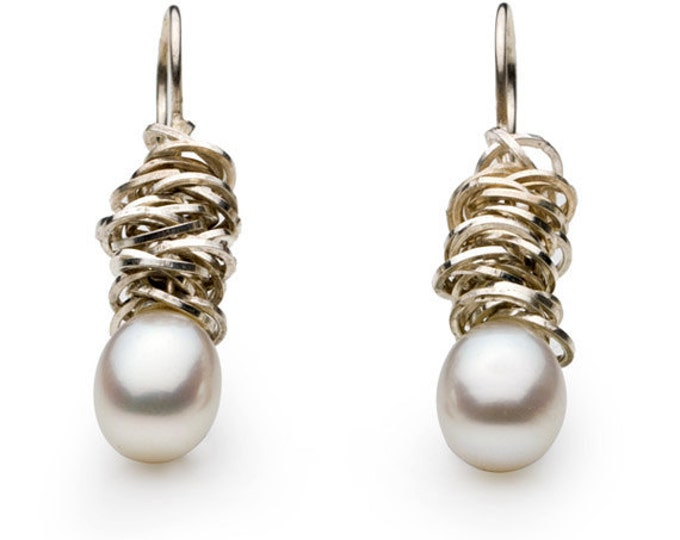 """Earrings """"Cluster"""", 925/000 silver, freshwater beads, pearly white, drop-shaped."""