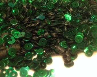 bag of vintage emerald green sequins, 4 mm (14)