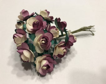 Bouquet of mauve and cream color paper Roses, 20 mm blooms (AA3)