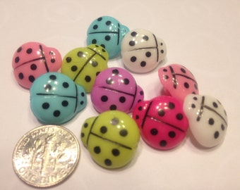 10 large assorted color ladybug buttons, 15 x 16 mm (6)