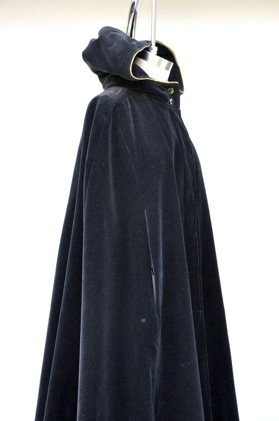 Vintage Hooded Velvet Cape Cloak - Black Velvet C… - image 4