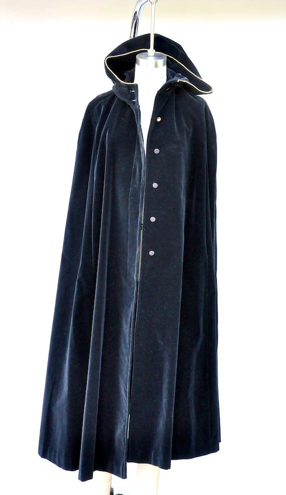 Vintage Hooded Velvet Cape Cloak - Black Velvet C… - image 8