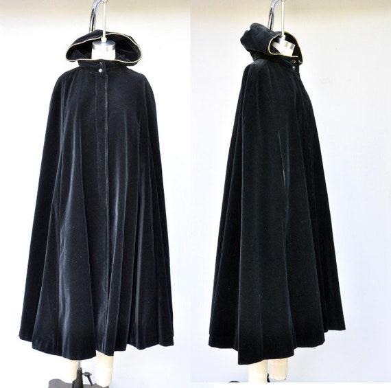Vintage Hooded Velvet Cape Cloak - Black Velvet C… - image 1