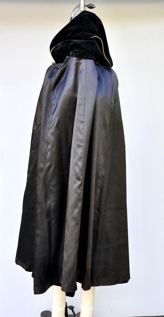 Vintage Hooded Velvet Cape Cloak - Black Velvet C… - image 10