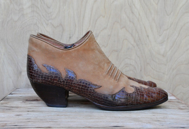 00c6571e9d393 SALE Vintage Italian 2 Tone Leather Western ANKLE Boots Winkle Picker  Alligator Crocodile Suede Leather Country Southwestern Chelsea 37.5 7