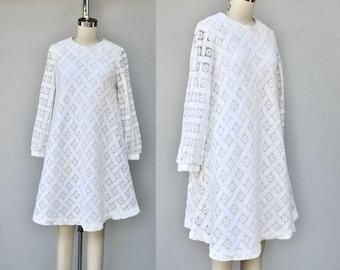 Vintage 60s LACE Dress - White Lace Dress - Mini Tent Dress - 60s Mod Wedding Dress - Bride Bridal Dress - Romantic Boho Hippie - XS - S