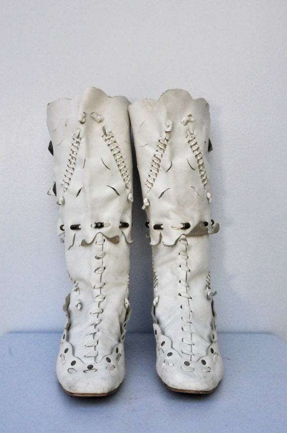 5 Beaded SALE Boho Primitive 10 Leather Boots 5 Boot Wedding Boots White Gypsy Boots Moccasins Leather 9 Bride White Hippie Native SSr8Uxwq