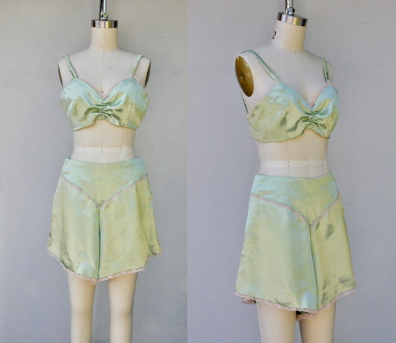Lingerie Set - Satin Bra + Shorts Set - 90s does 2