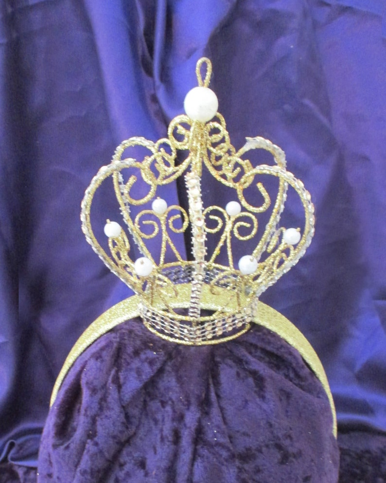 Girl's gold crown on a head band plain or lined in a image 0