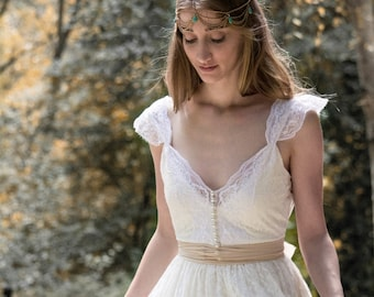 Ivory Wedding Dress SuzannaM Designs Bohemian Wedding Gowns, Beautiful Lace Wedding Long Gown, Boho Gown Bridal Gypsy Wedding Dresses, Anne