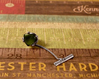 e38b3b839dba Sarah Coventry Men's New Yorker Tie Tack Silver Tone with Green Stone -  Vintage 1965