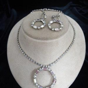 Vintage 2PC Purple Faucelet Lucite Necklace And Earring Set Item K # 1184