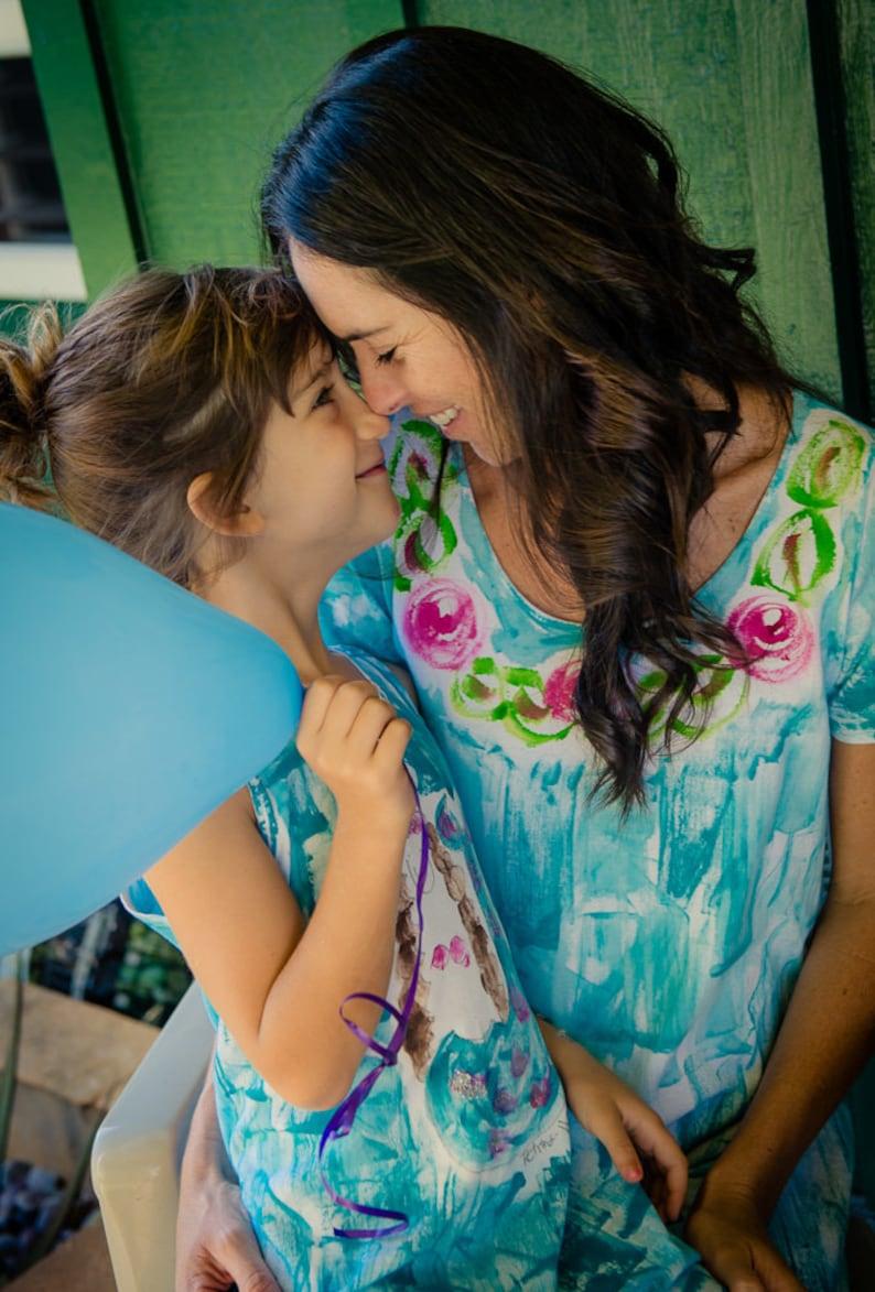 f253a6ea16ec9 Mère fille assortie robes peintes Hawaii robe grande taille