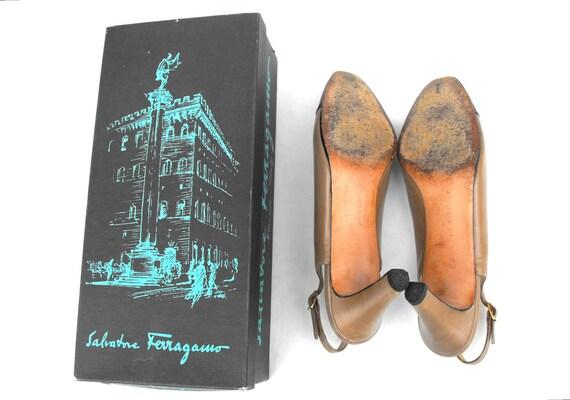 1950s Salvatore Ferragamo Pumps Mid Century Greta Garbo Fashion Heels Hollywood Designer Haute Couture Wingtip Spectator Shoes w Box Size 8