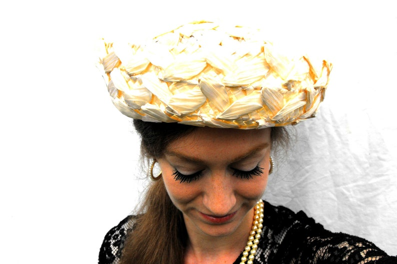 1940s Ivory Woven Straw Bumper Hat Vintage Wilmine Designer  266a0ccfb5a3