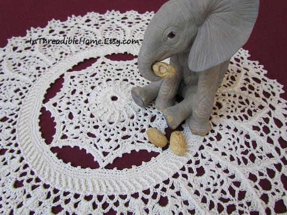 Josefina and Jeffery Elephant Rug PDF Crochet Pattern | 428x570