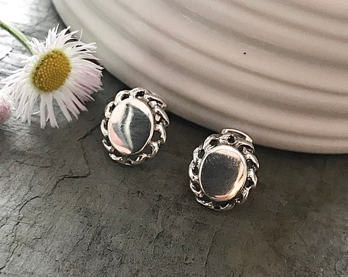 Sterling Silver Monogrammed Oval Stud Earrings With Rope Edging