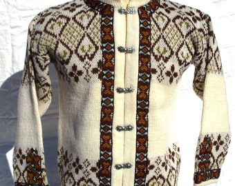 Norwegian Wool Cardigan Sweater Dirdalstrikk Siril Sz 44 EU, Pewter Clasp Closure, Karl Johansgt Oslo Made in Norway Excellent Shape