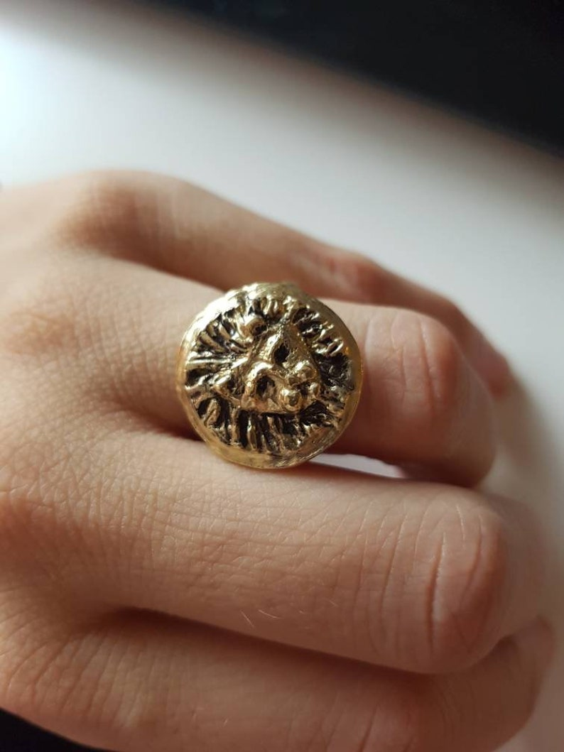 Lion medallion coin ring image 0