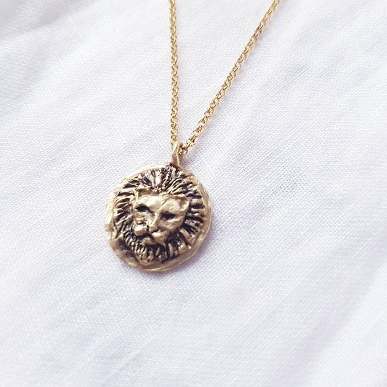 Lion head medallion pendant necklace image 0