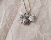 Chunky bumblebee charm pendant necklace with silver beaded ball chain 42 cm.