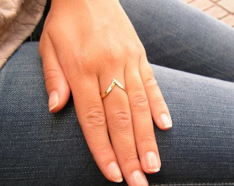 Gold ring. Dainty gold ring. Stackable gold ring. Gold dainty ring. Dainty ring. Stackable ring. V ring. Arrow ring. Arrow gold ring.