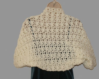 Crochet Shrug, Bridal Shrug, Womens Bolero, White Shrug, Wedding Shrug, Ivory Shrug, Wedding Bolero, Off White Shrug, Elegant Shrug