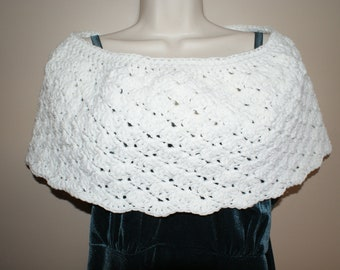 Crochet Capelet, White Bridal Capelet, White Cloak, Bridal Shawl, Shoulder Wrap, Womens Shawl, Crochet Shawl, Womens Shawlette, Bride