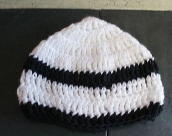 Stripe baby hat, Crochet Baby Cloche, Baby Sock Cap, White Infant Beanie, Baby Winter Hat, Baby Snow Hat, Crochet Cloche, Zebra Stripe