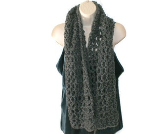Chunky Crochet Scarf, Black Neckwarmer, Gray Neck Scarf, Winter Fashion Scarf, Crochet Neck Wrap, Womens Winter Scarf, Mens Winter Scarf